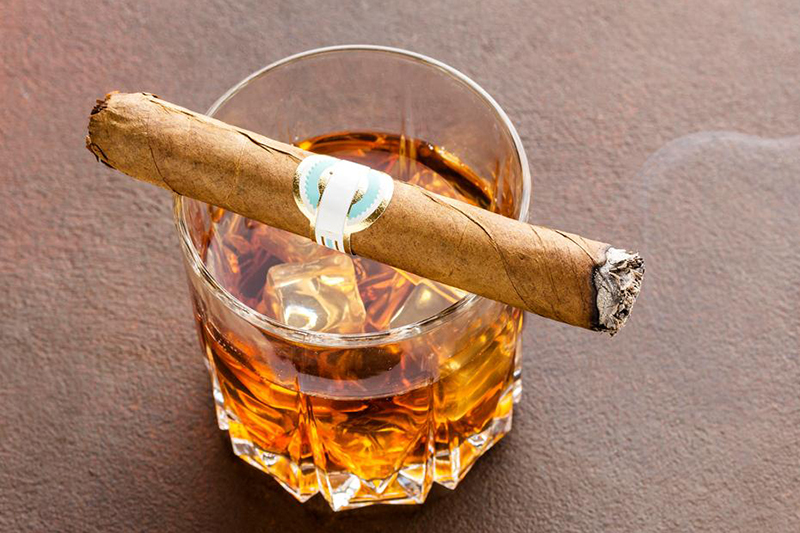 viski i cigare